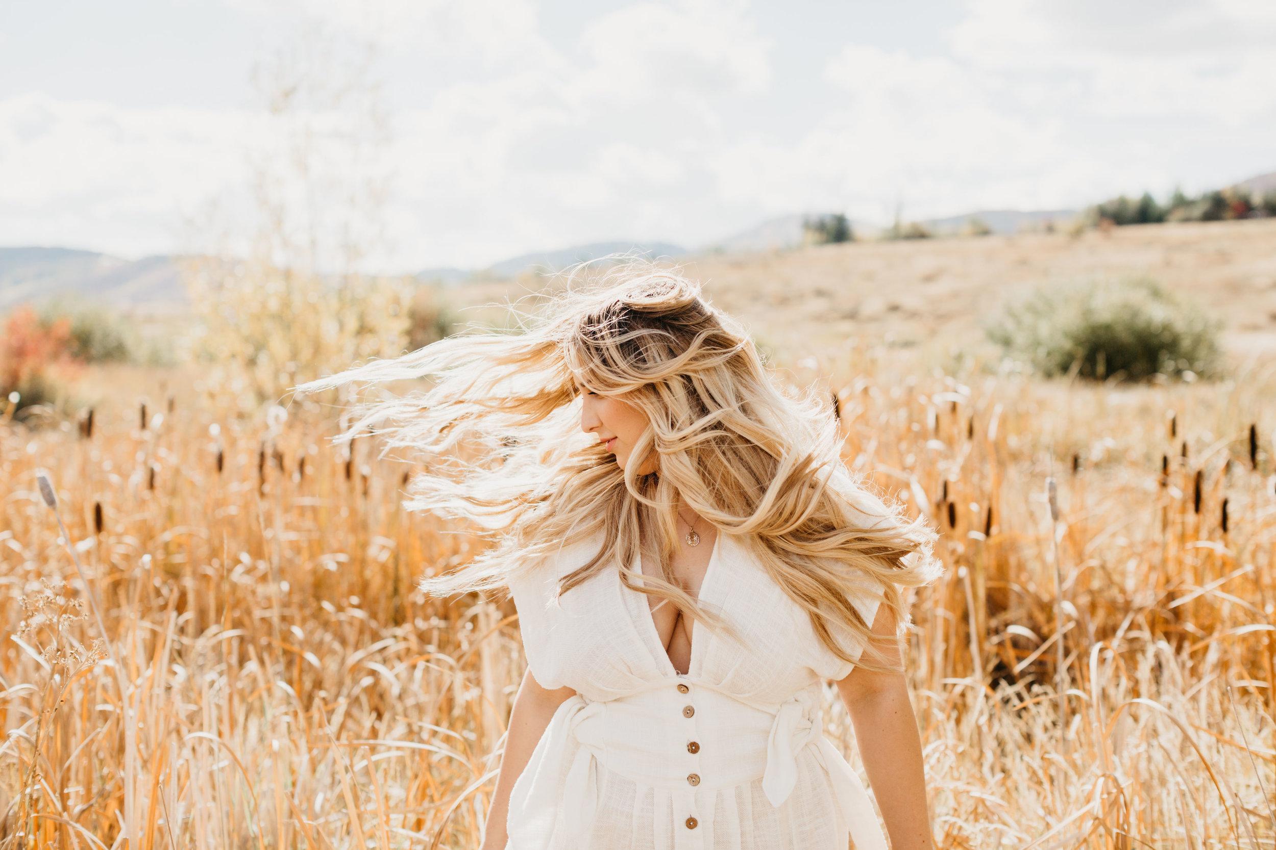 @heyelizabethfaye - Founder of hair love retreats