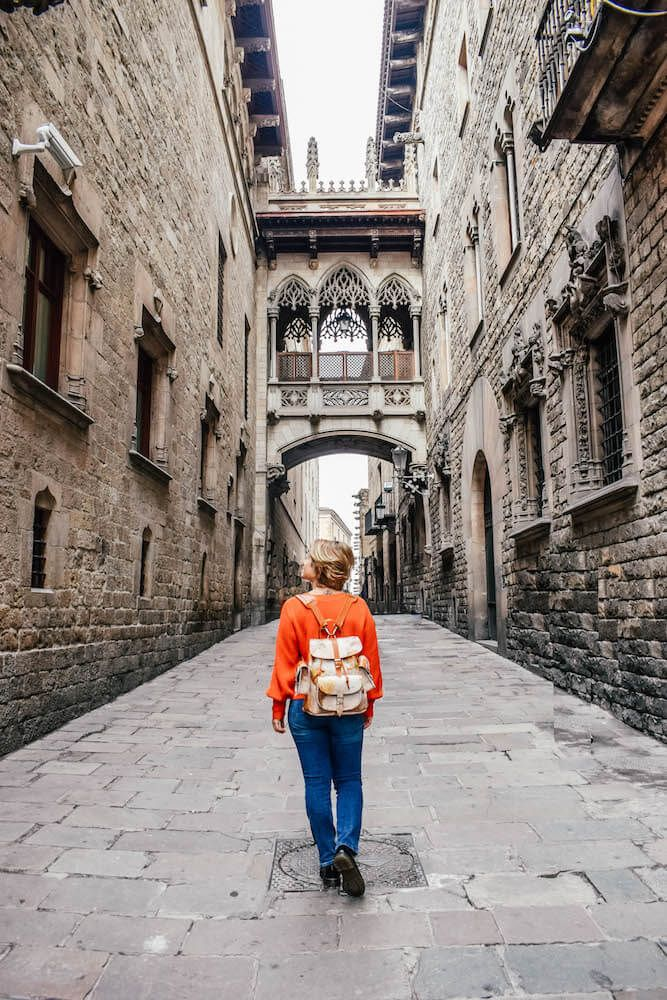 Discover all the best Instagram photo spots in Barcelona (with exact location!) so that you can snap those perfectly Instgrammable shots!.jpeg