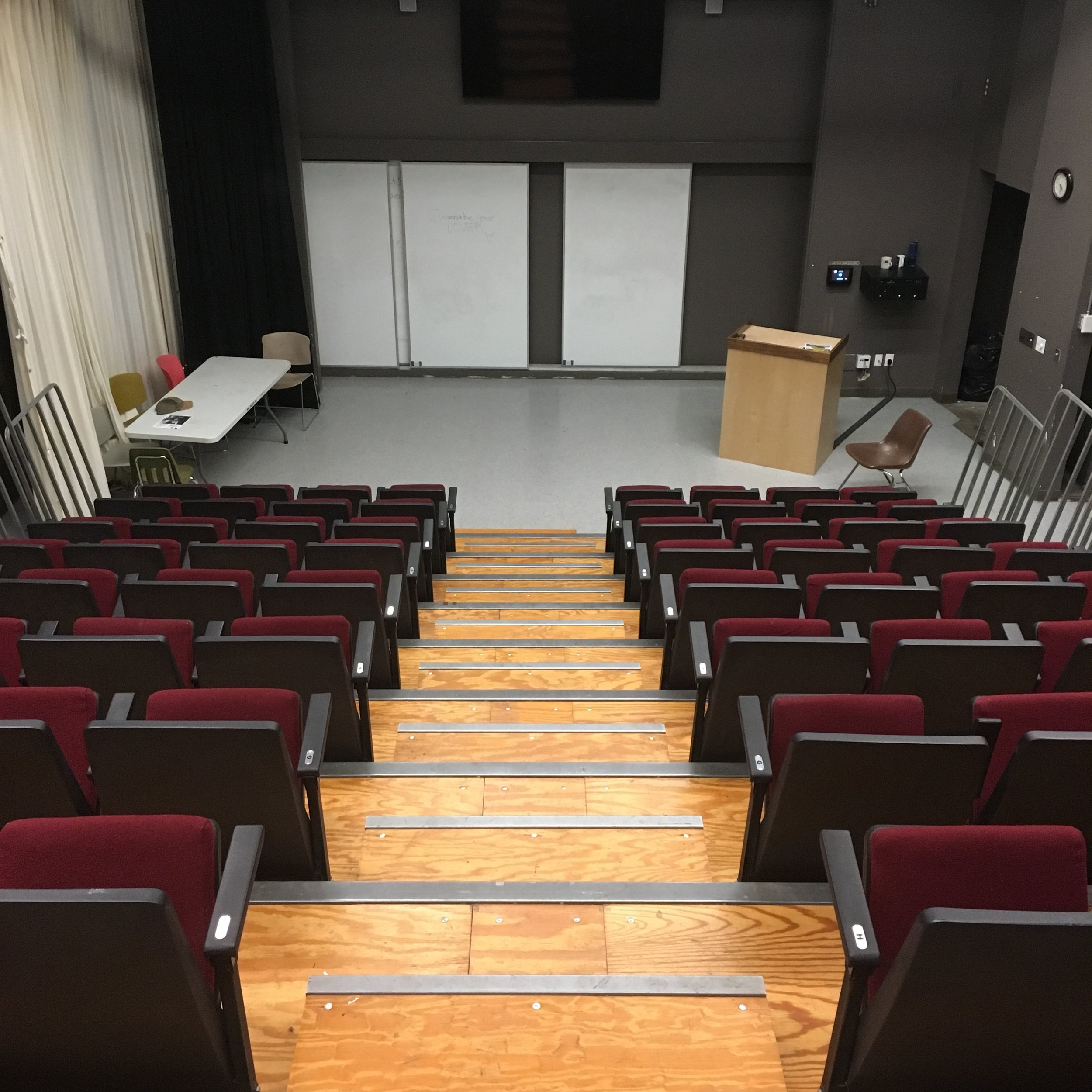 E100 Lecture Hall - Off-campus user:$250/DayOn-campus user:$175/Day