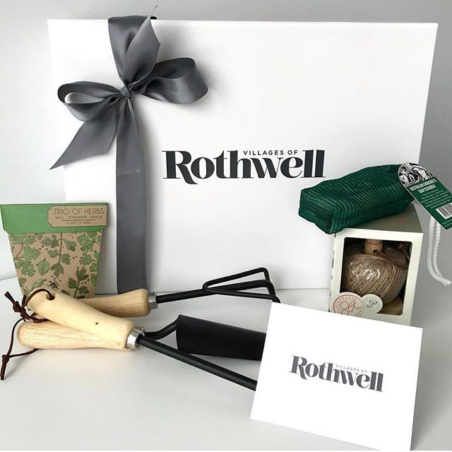 Spring is definitely in the air. 🌸 Do your settlement gifts suit the season? 🍃 Many clients we work with like to create a bespoke bundle based on a range of factors; the season, the style of property they're selling, the location of the property, even the colours of the property or development they're selling. The more information you give us, the better we can create a settlement gift perfect for your company. 👌🏻 #stylebundle
