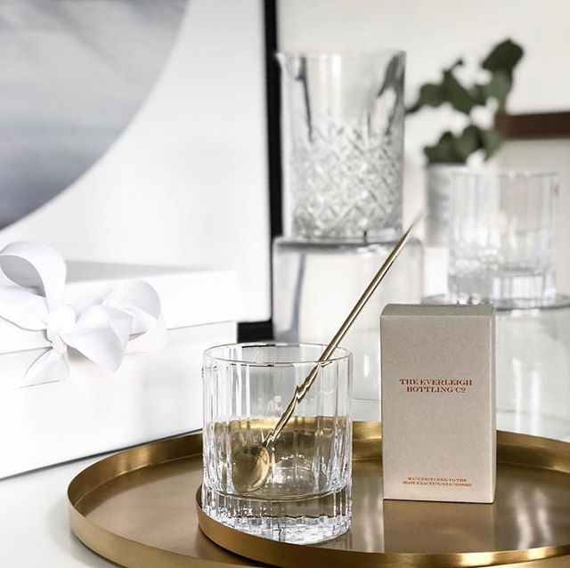 Shaken or Stirred?  The big decision for clients enjoying this beautiful settlement bundle on a Friday evening.🍸 #stylebundle
