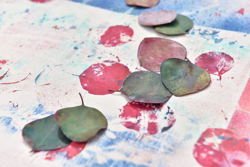 Leaf printing on fabric