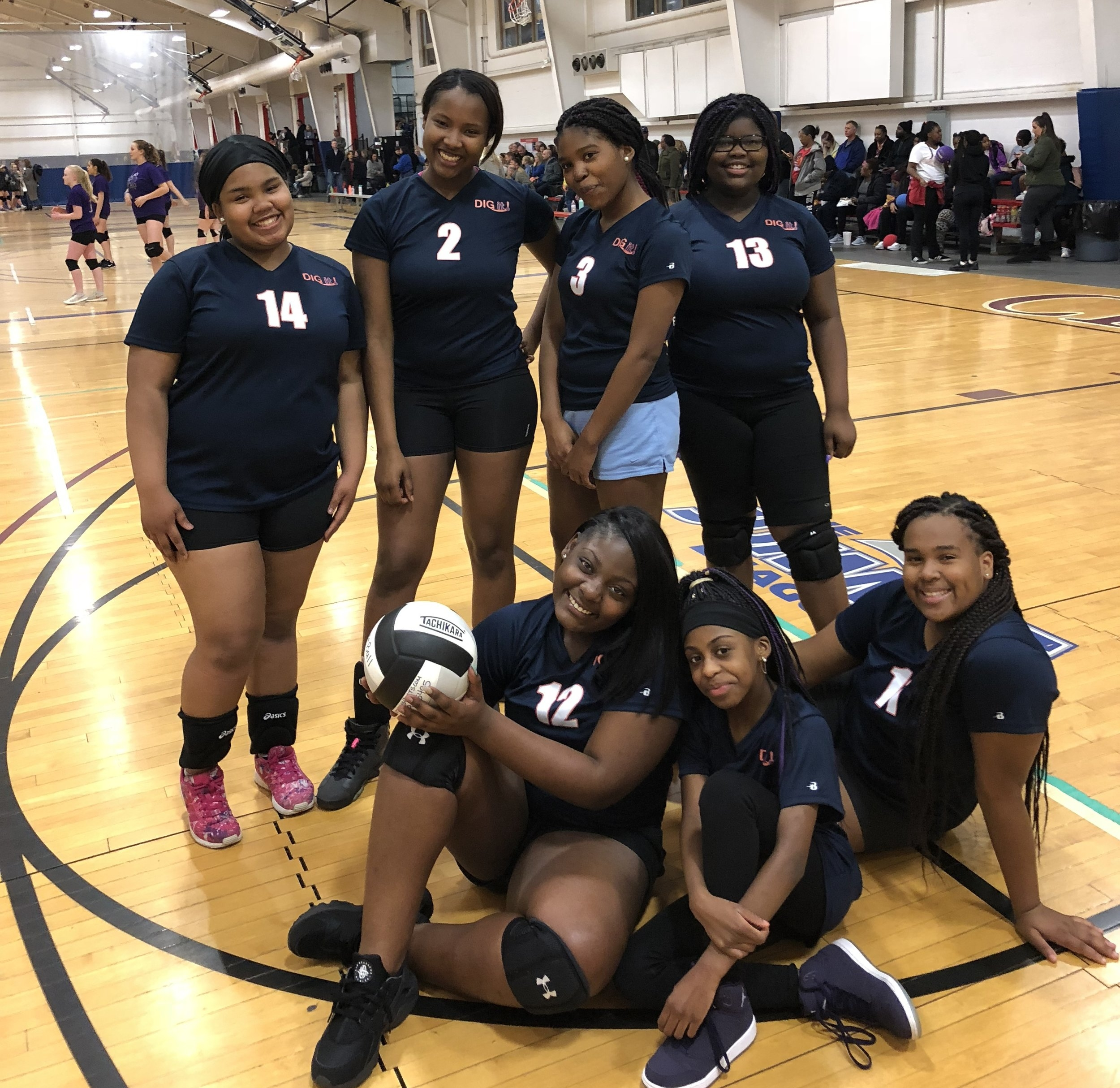 Hazelwood Southeast BGCSTL DIG it! Team - Hazelwood Southeast's Boys & Girls Club DIG it! Volleyball team is located in the Hazelwood, MO school district and consists of 6th-8th grade girls. Southeast has been part of the DIG it! Program for the last 3 years!