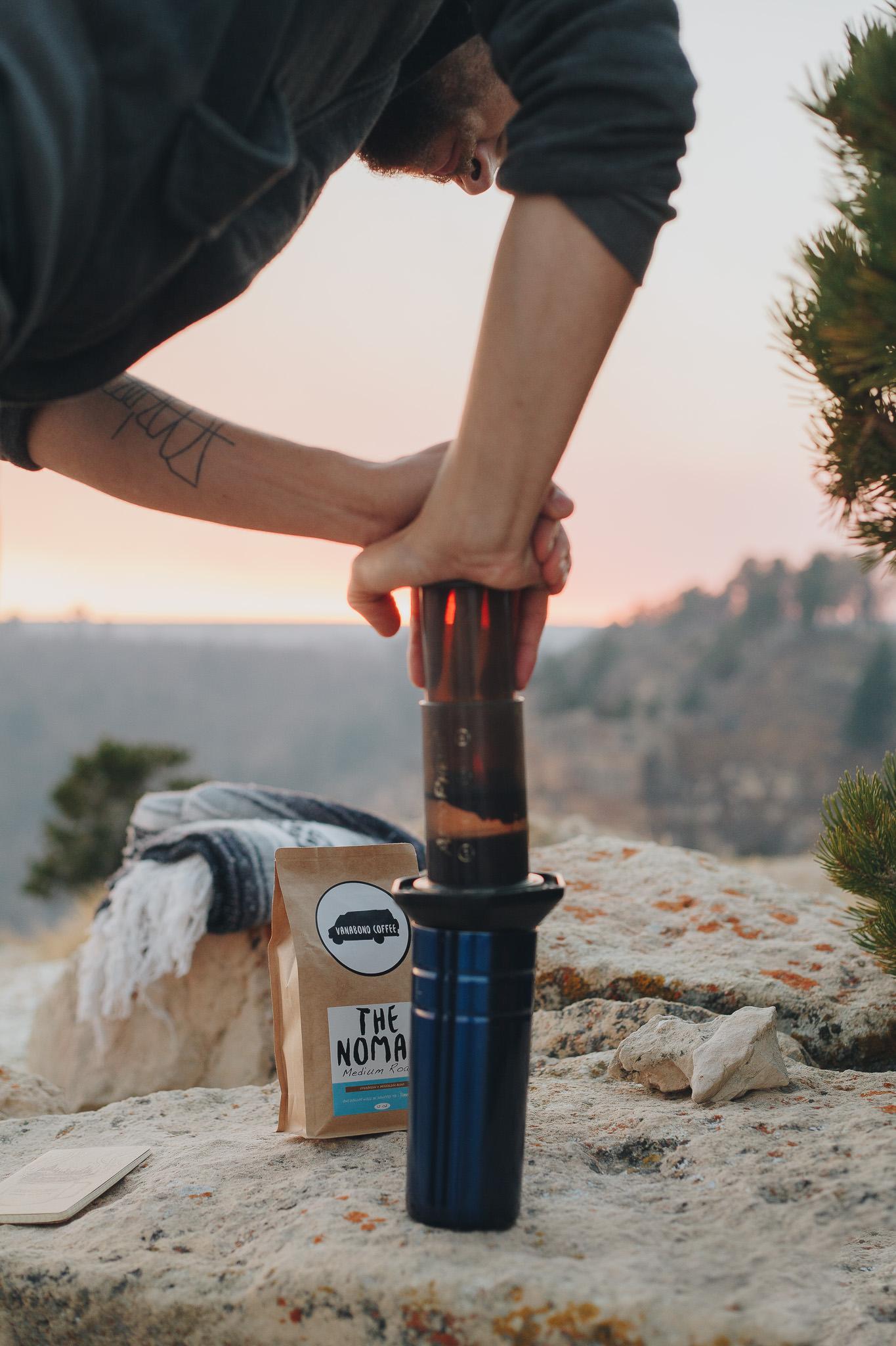 Pressing Aeropress coffee