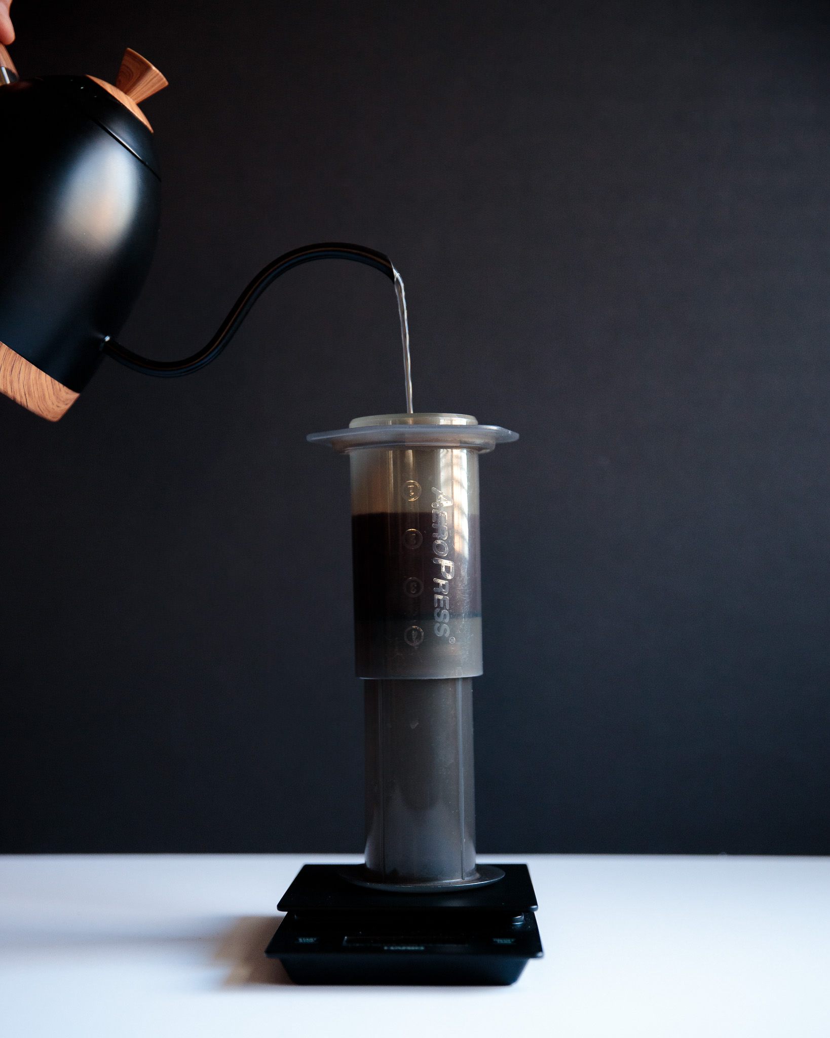 Brewing dark roasted coffee with an inverted Aeropress