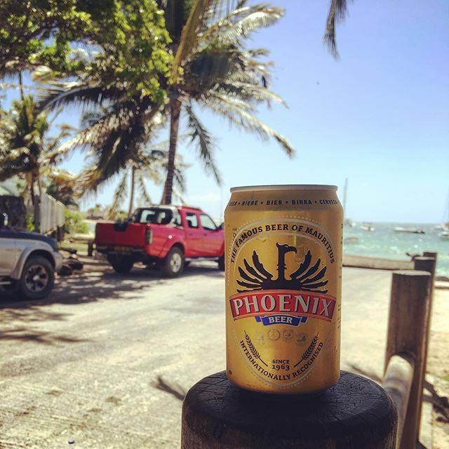 Few hours left before the weekend begins! . Awesome photo from @villavimru . . . . . . #friday #friyay #weekend #weekends #bbq #TGIF #beer #phoenixbeeraus #phoenixbeer #phoenixmauritius #mauritius #perthisok #perthlife #perthtodo #perth #pertheats #dreambig #livebig #beers #beerporn #beerstagram #beergeek #brews #perthfood #australia #sydney #melbourne #adelaide #brisbane