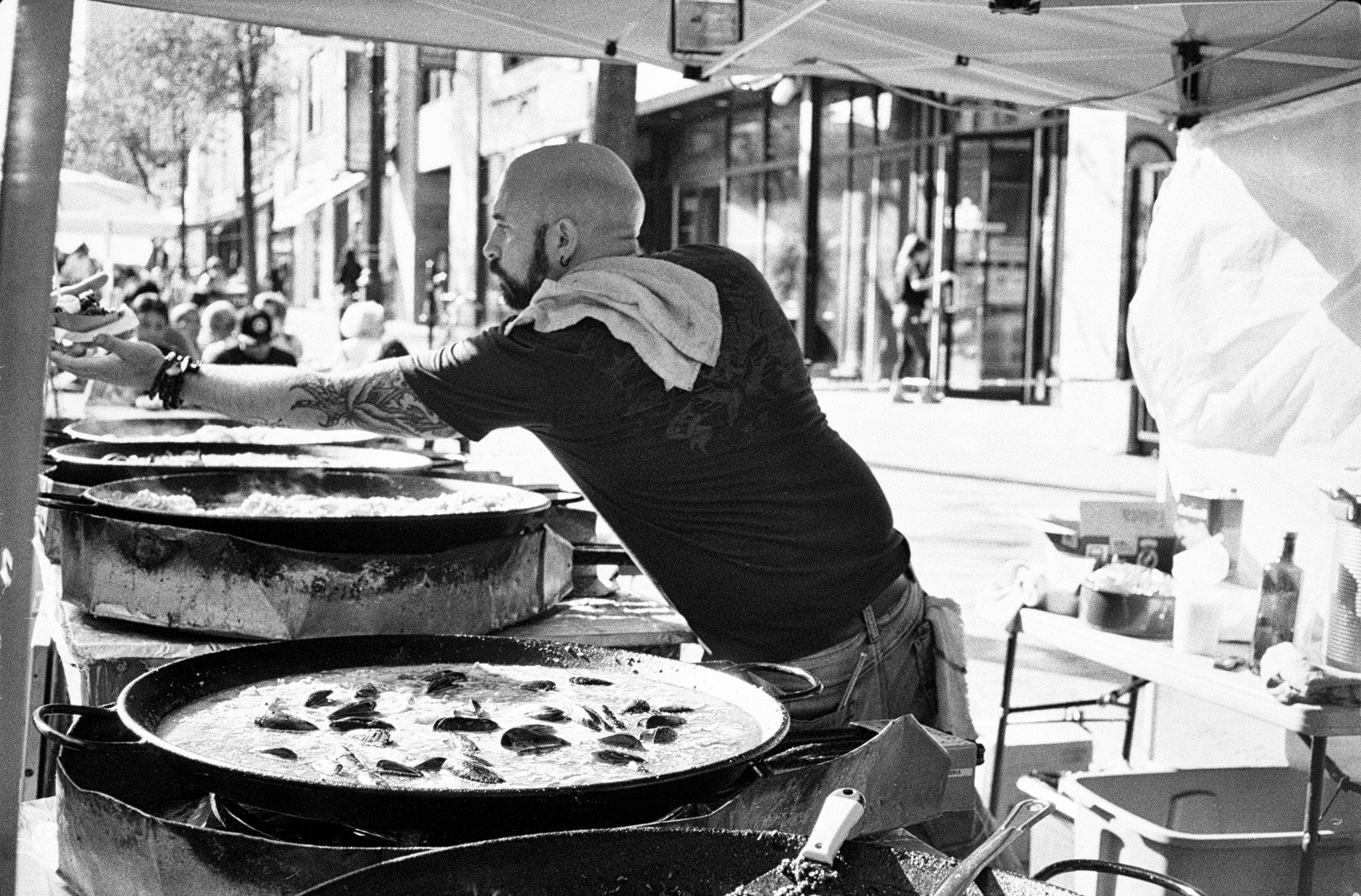 Street Paella 2017. Photo credit: Dragos Stoica.