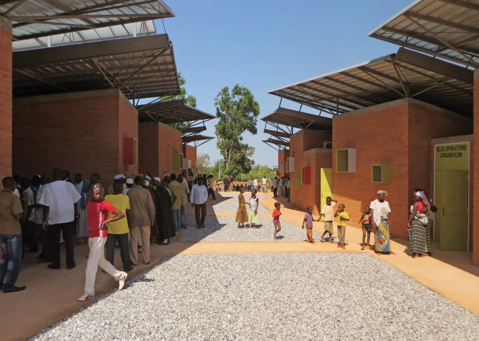 Francis Kéré - Léo Clinic and Health Centre, Burkina Faso