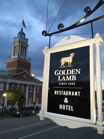 the-golden-lamb-inn.jpg