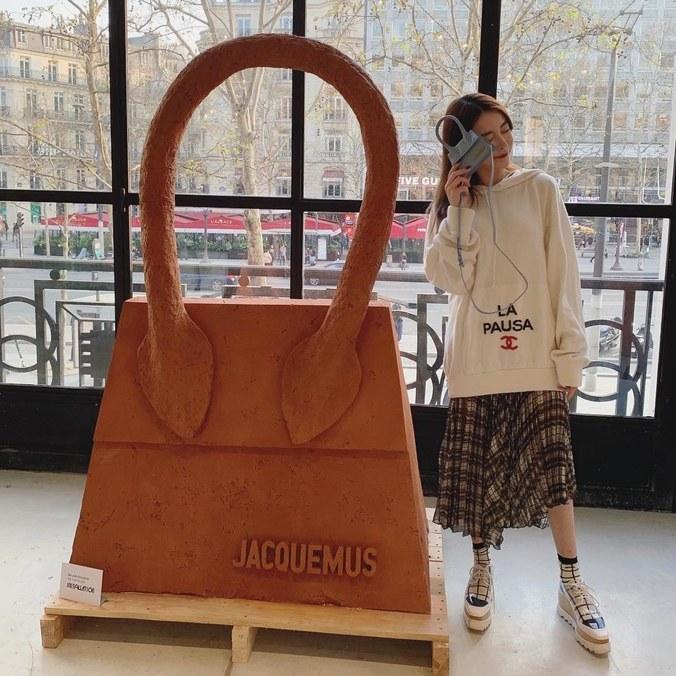 jacquemus-cafeee.jpg