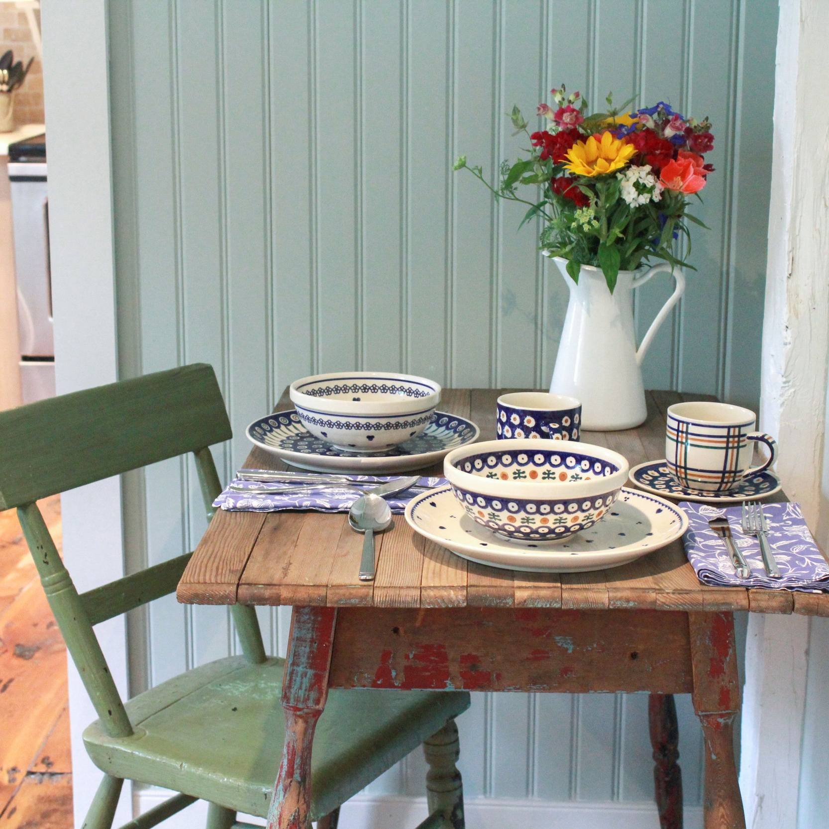 Cottage Table Setting2.jpg