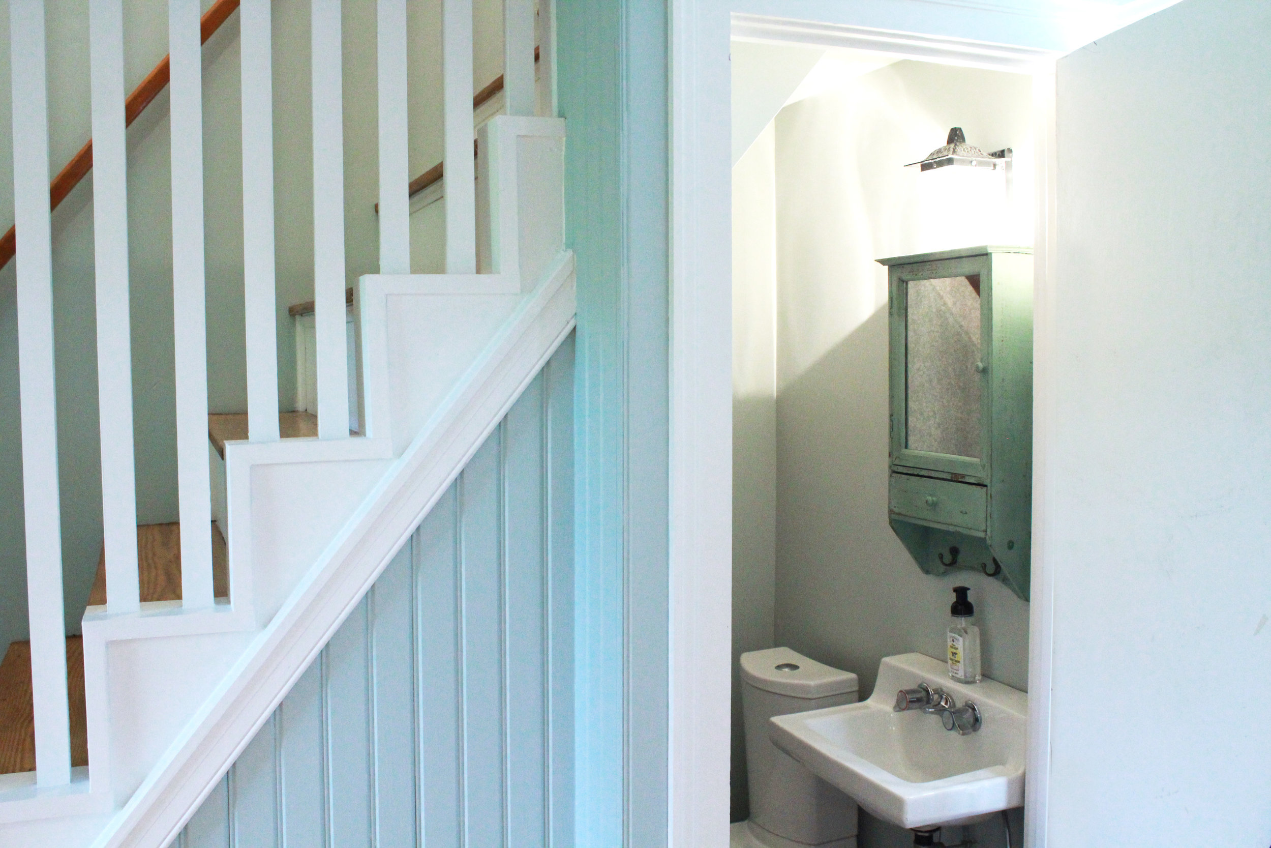 Cottage Downstairs Bath.jpg