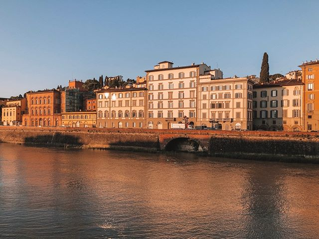 Make sure to take a moment to walk along the Arno River in Florence. That morning light all to yourself is worth getting up early for. 🔥🙌🏻💖⠀⠀⠀⠀⠀⠀⠀⠀⠀ ⠀⠀⠀⠀⠀⠀⠀⠀⠀ ⠀⠀⠀⠀⠀⠀⠀⠀⠀ ⠀⠀⠀⠀⠀⠀⠀⠀⠀ #womenwhotravel #travelblogger #travelgram #sheisnotlost #wanderlust #igtravel #travelphotography #travelling #letsgoeverywhere #doyoutravel #traveldeeper #passportready #lifewelltravelled #beautifulplaces #aroundtheworld #dametraveler #outdoorwomen #firenze #italy #florence #buffalove #arnoriver #igersbuffalo #gratitude #tuscanyitaly #morningwalks #morningstroll #buffalobloggers