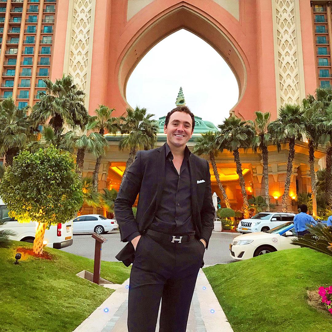 Dubai-Magician---Maximilian.jpg