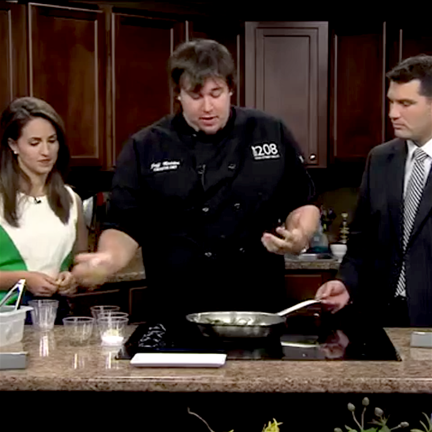 Central Il Proud - Chef Jeff demonstrates how to create an amazing salad with local blueberries, green beans, dijon mustard, garlic and Balsamic vinegar on Good Day Central Illinois