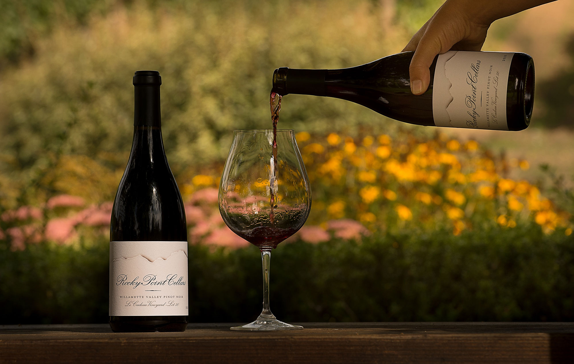 rockypoint-winepouring2.jpg