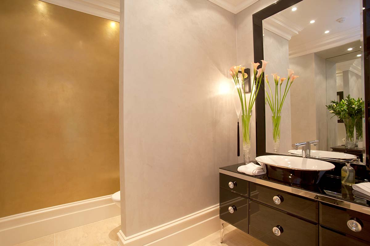 Perlata: ArmourColor Perlata in private bathroom- Credit Armourcoat