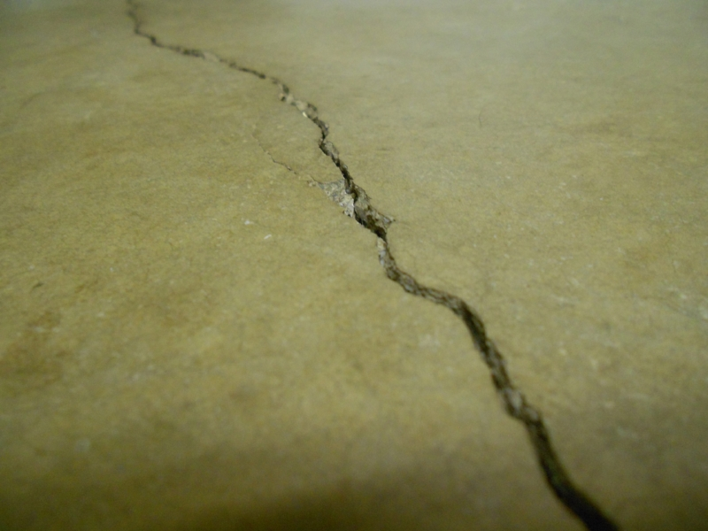 Cracked natural stone - a construction nightmare