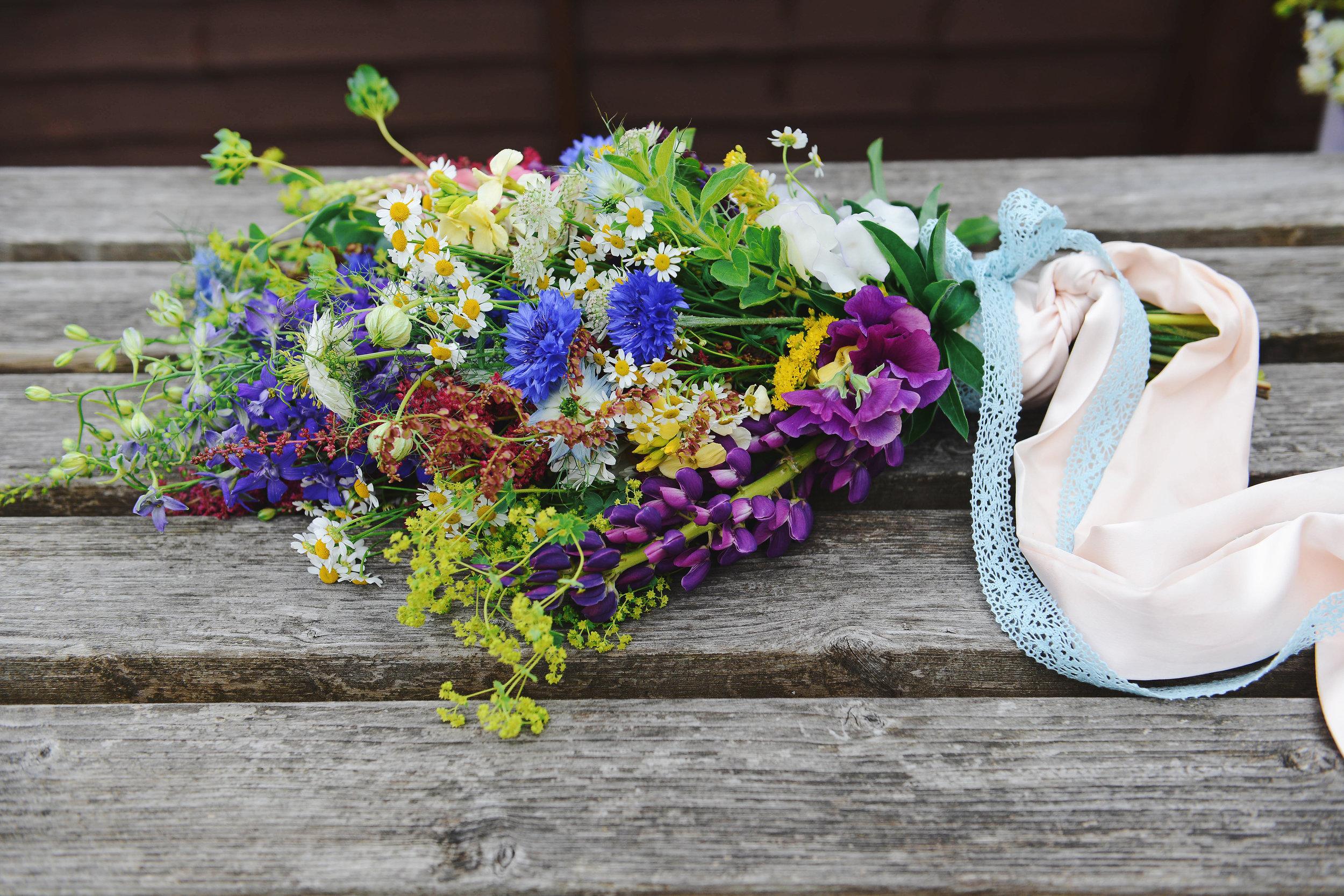 country garden bridal bouquet.jpg
