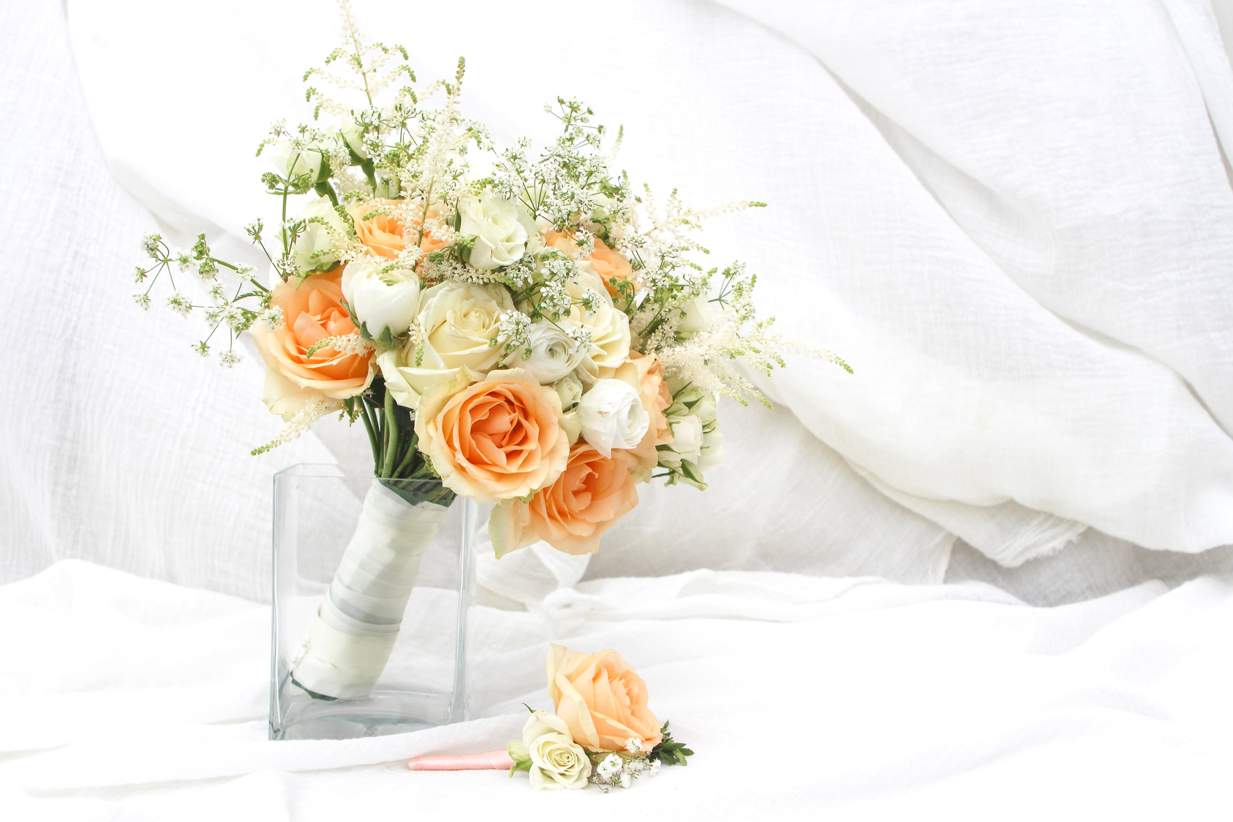 apricot roses spray roses queen annes lace bridal posy and button hole.jpg