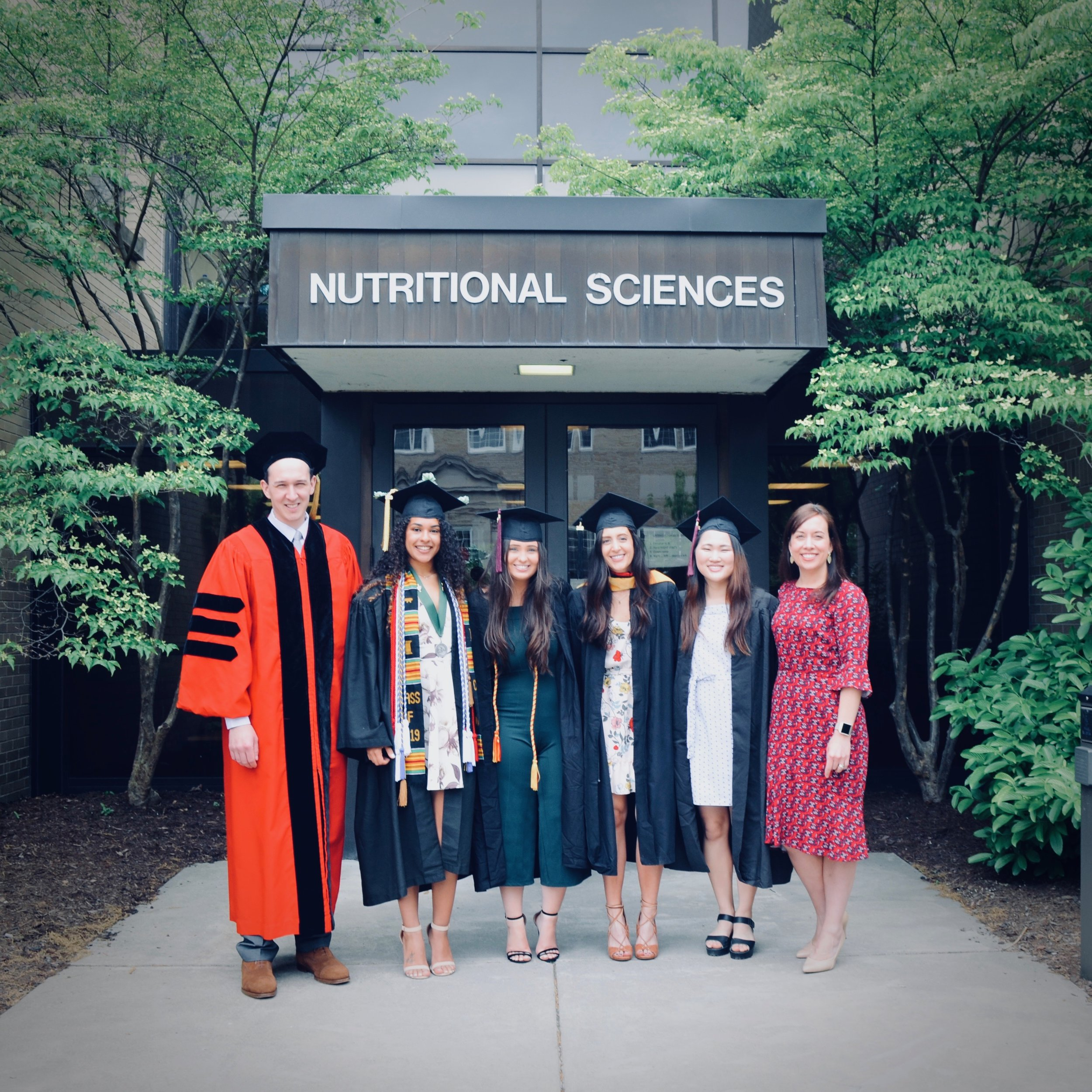 "Congratulations 2019 ATM Lab Graduates! - We are so proud of all of you and wish everyone the best of luck with their future spots. The ATM lab will not be the same with out all of your shining faces :). Congratulations to our undergrads Tyler Beale, Janet Back, Aoife Casey, Christina Cheung, Lindsey Colon, Kailin Ellison, Ethan Kremer, Lucas Rockne, Katie Satterthwaite, and Seok Eun ""Jennie"" Yi."
