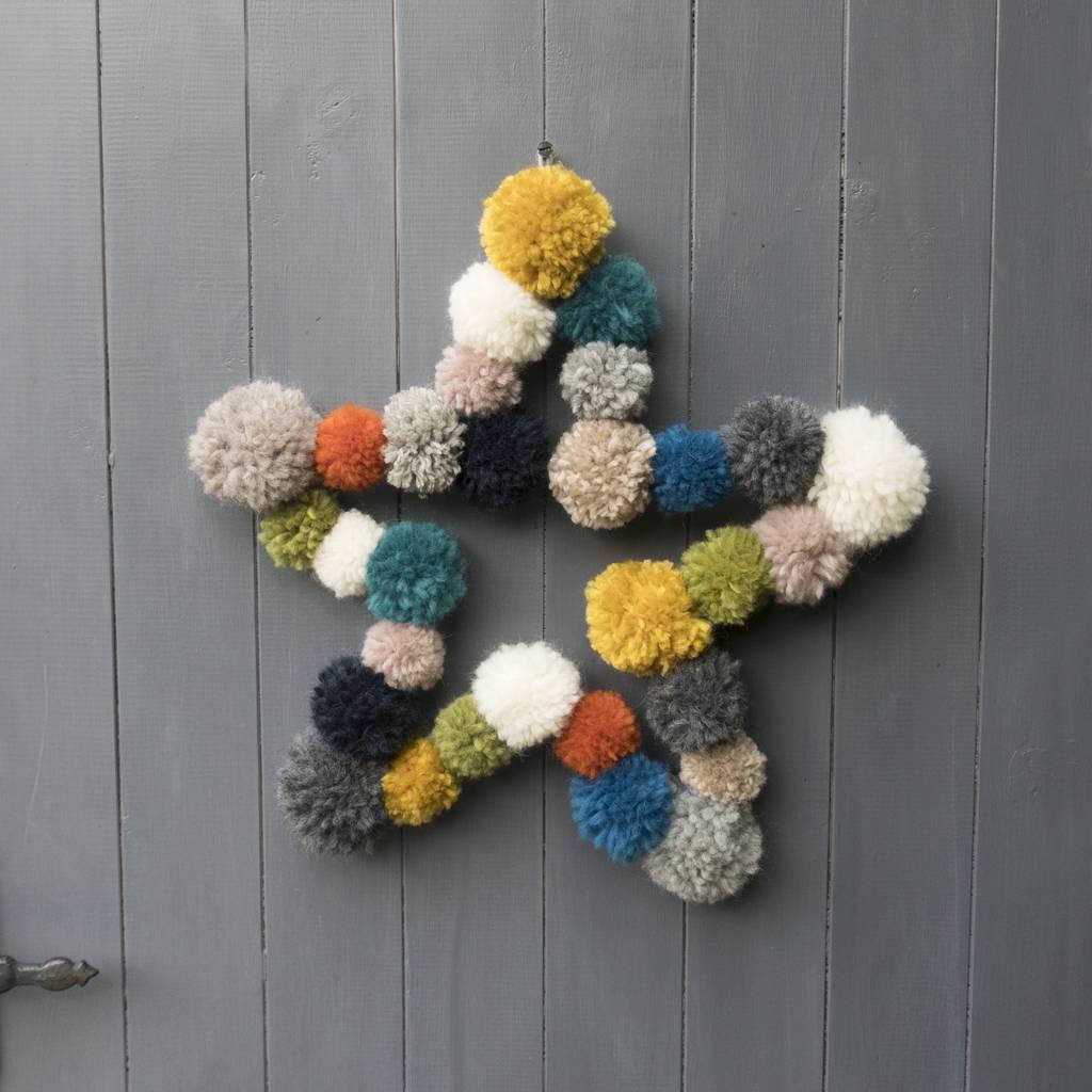 original_pom-pom-star-wreath (2).jpg