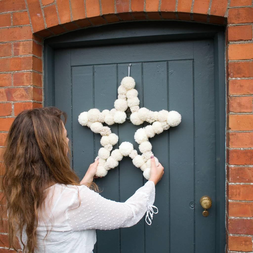 original_pom-pom-star-wreath (6).jpg