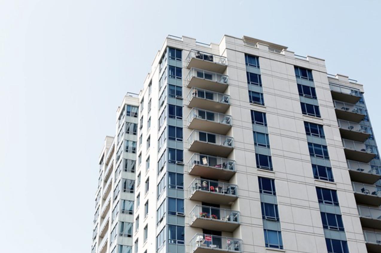 Apartments/Condominiums