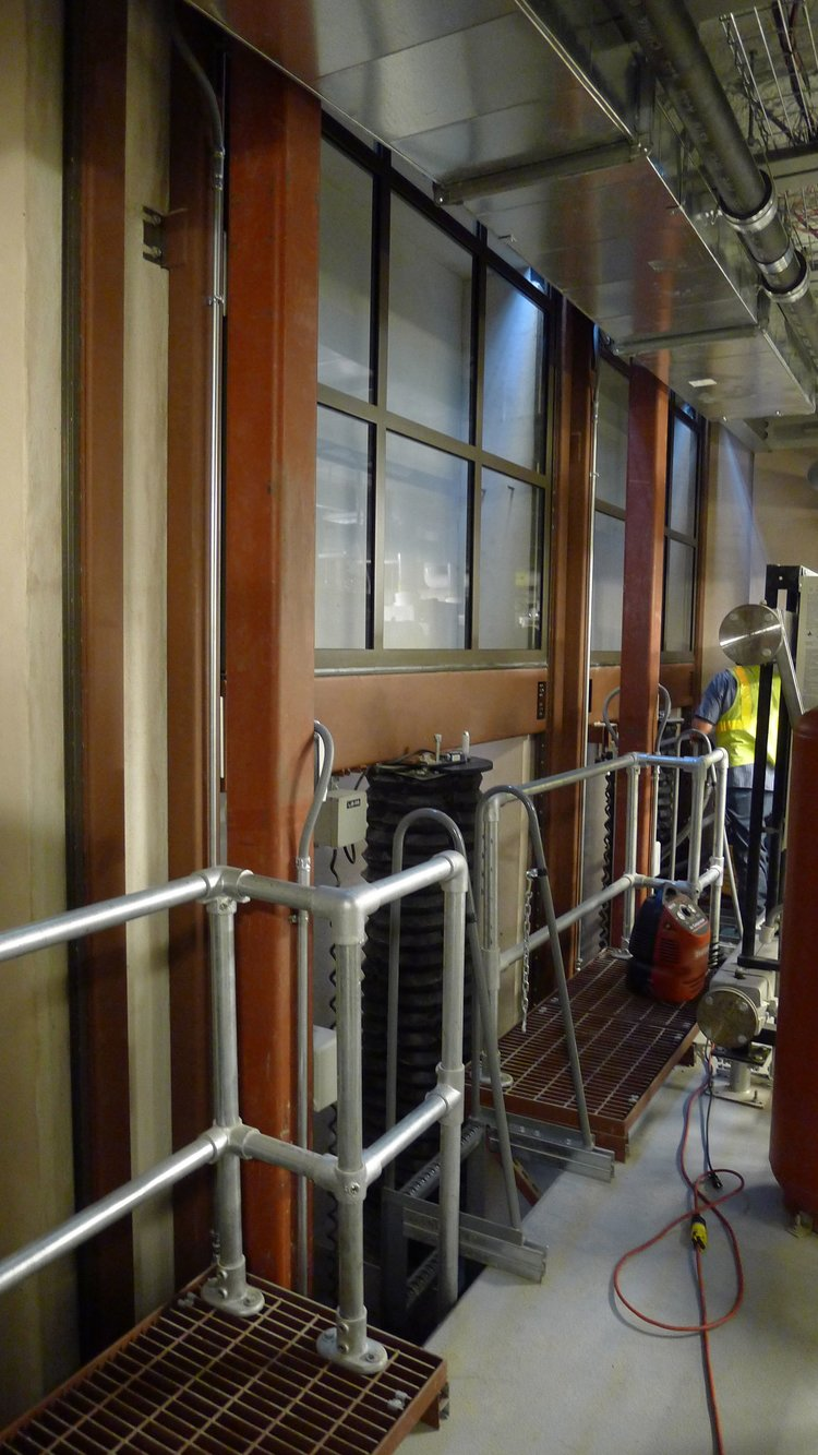 HYDRAULIC LIFT IN THE BASEMENT WITH THE PORTICO WINDOW LOWERING