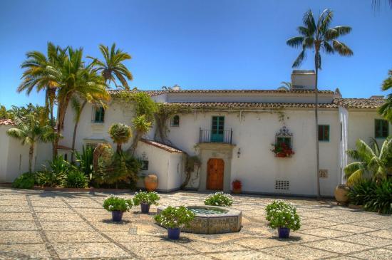 Casa del Herrero Entry.jpg