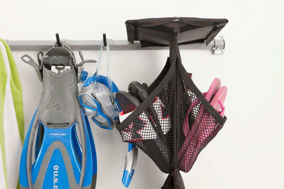 water-toys-hooks-bag.jpg