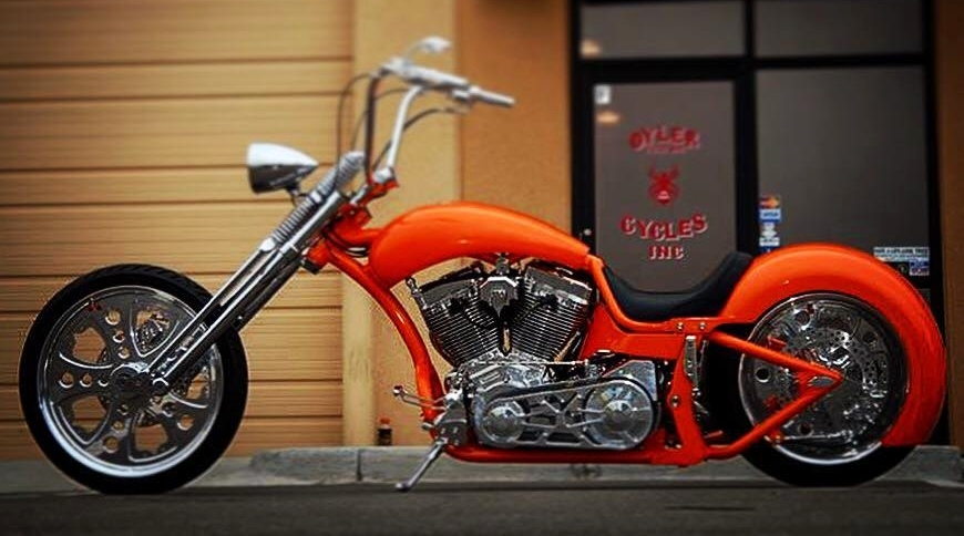 CrossBow - Oyler Custom Cycle with a pro street feel. Long swiping back-bone and 300 tire give it a mean look