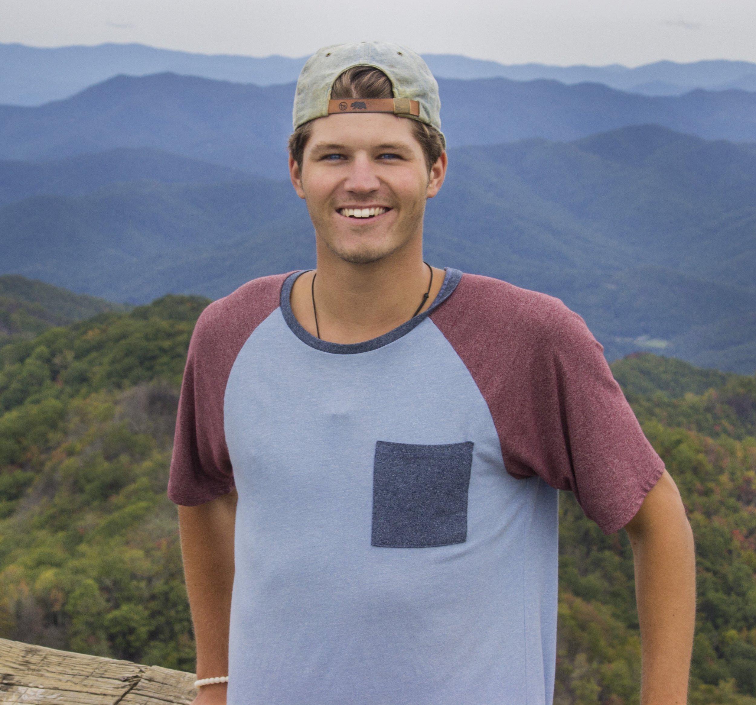 Portrait photograph of Nick Knapper of the Vativ Media team.