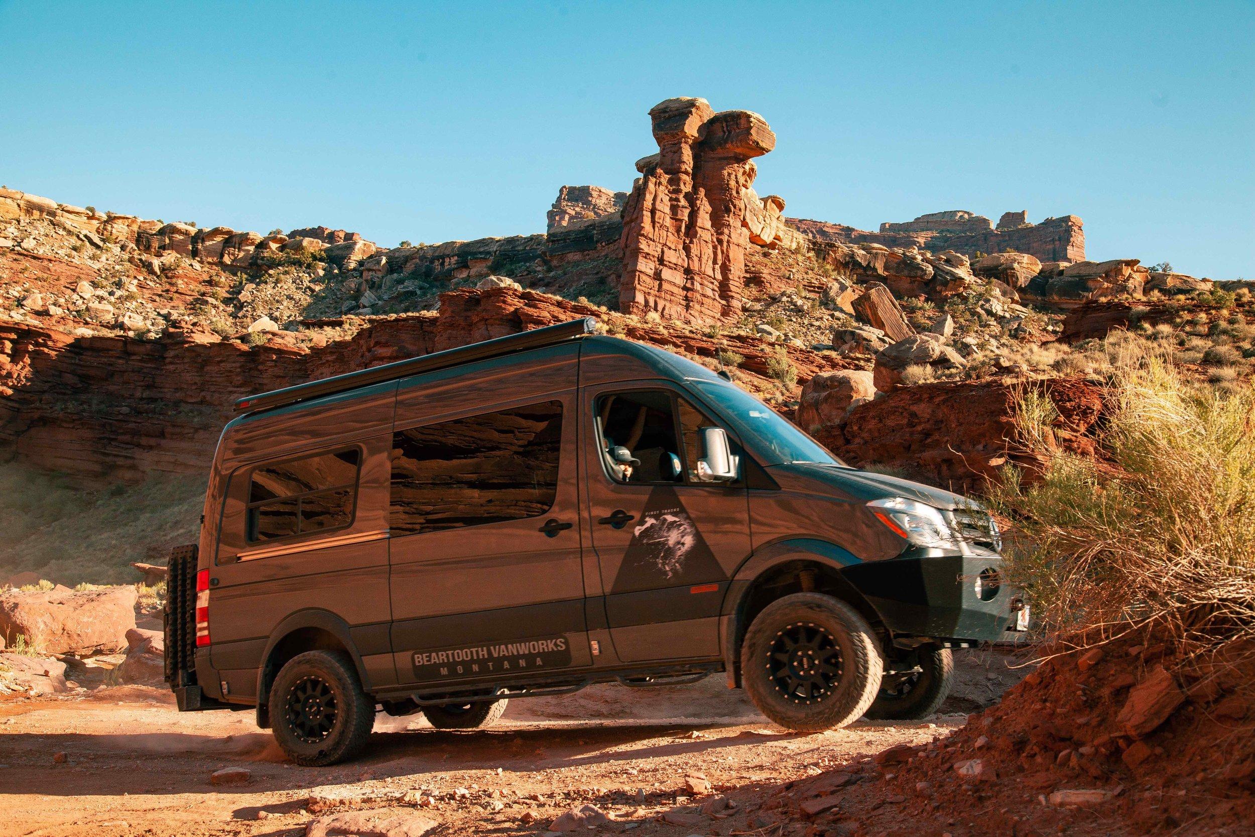 Beartooth Vans Day 5 more_-11..jpg