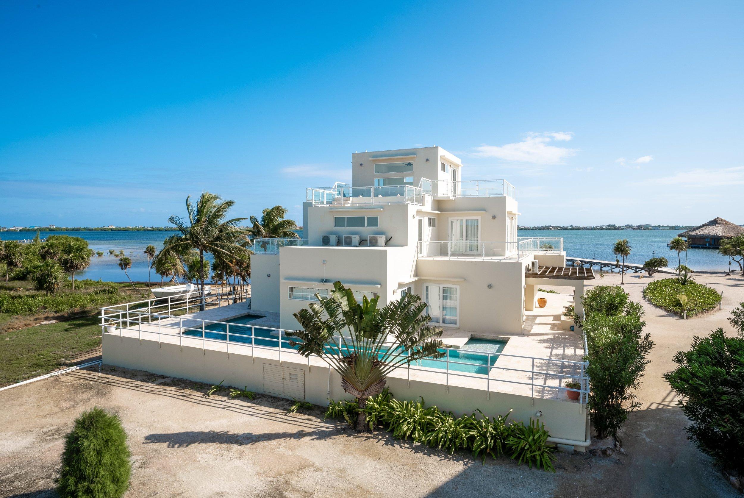 Playa Villa 3 - Rooftop-14-min.jpg