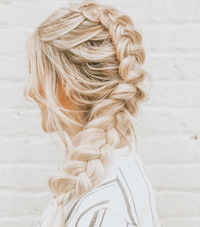 Monday's are for messy braids @hairandmakeupbyerin // @lockz_by_lo