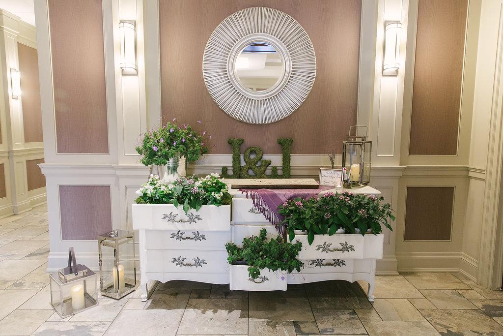 Wedding Welcome Table | spunkysapphire.com/blog