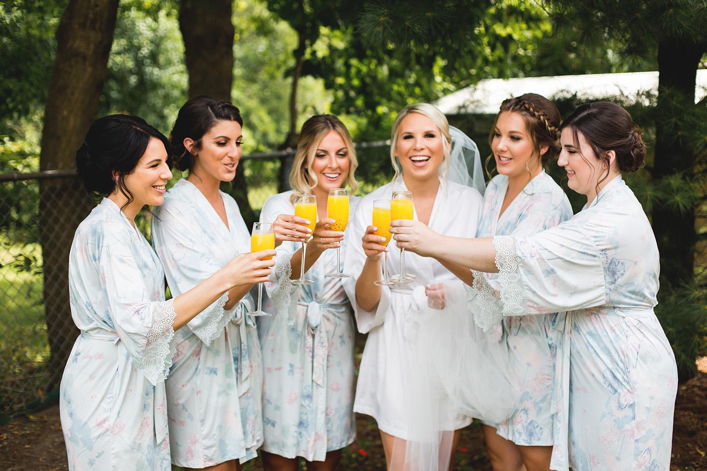 Blue real wedding // spunkysapphire.com