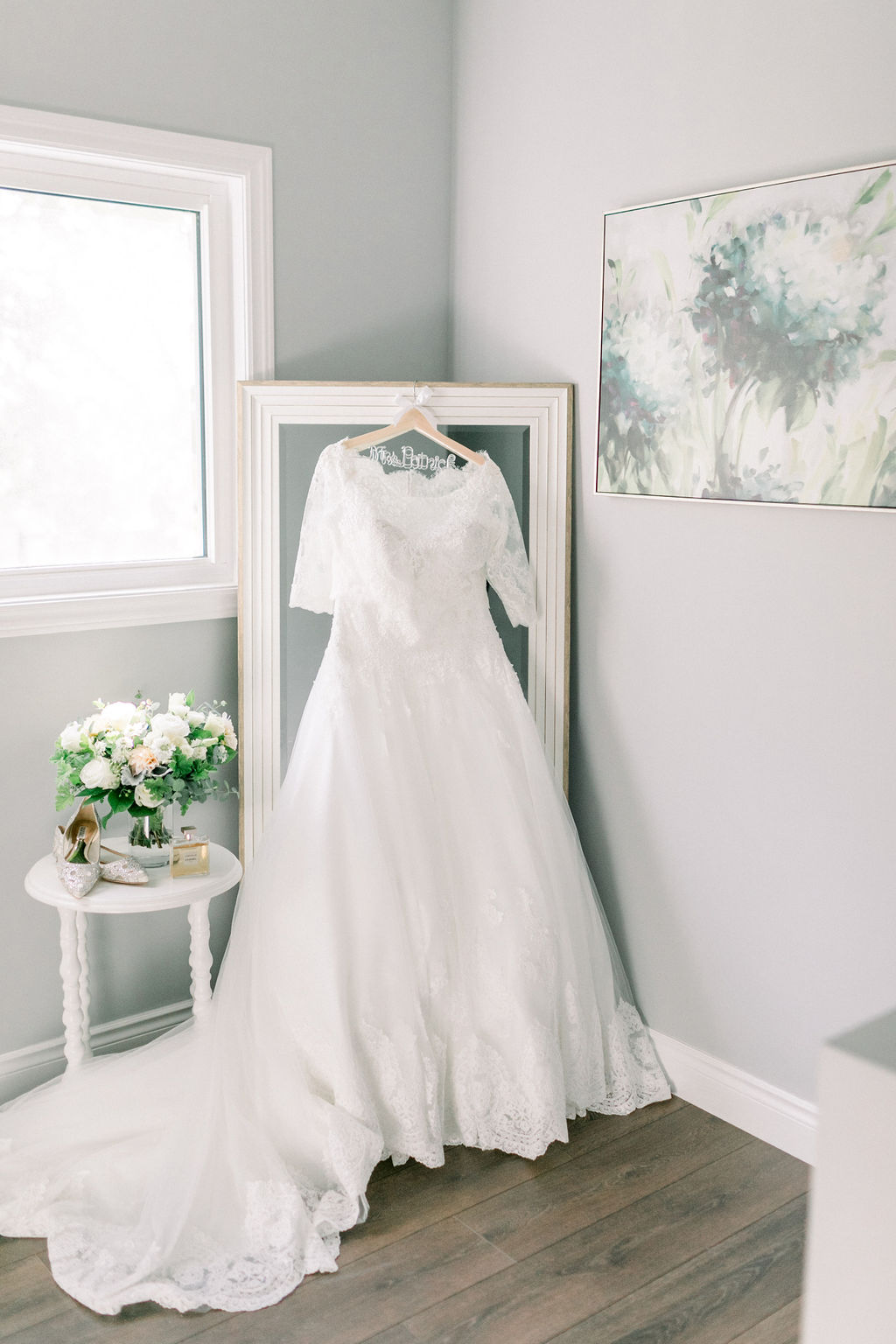 Classic Lace wedding gown // spunkysapphire.com