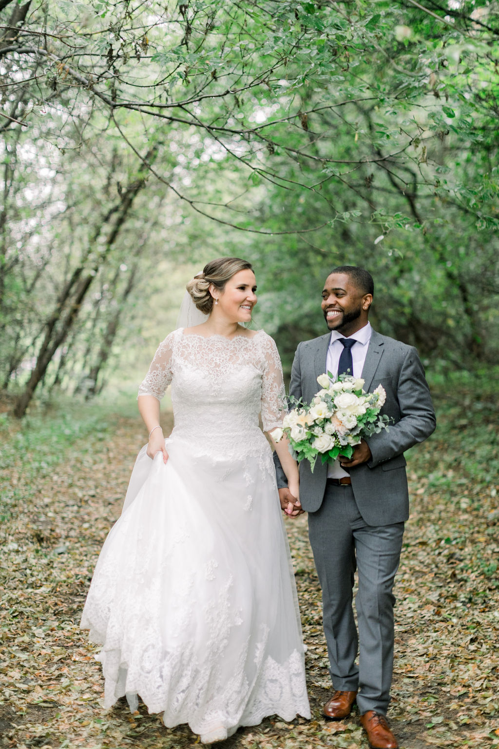 White and Blush October Real Wedding // spunkysapphire.com/blog