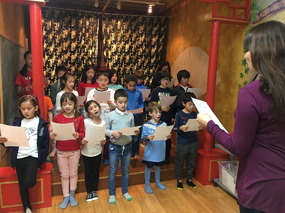 activities_sing_5.JPG