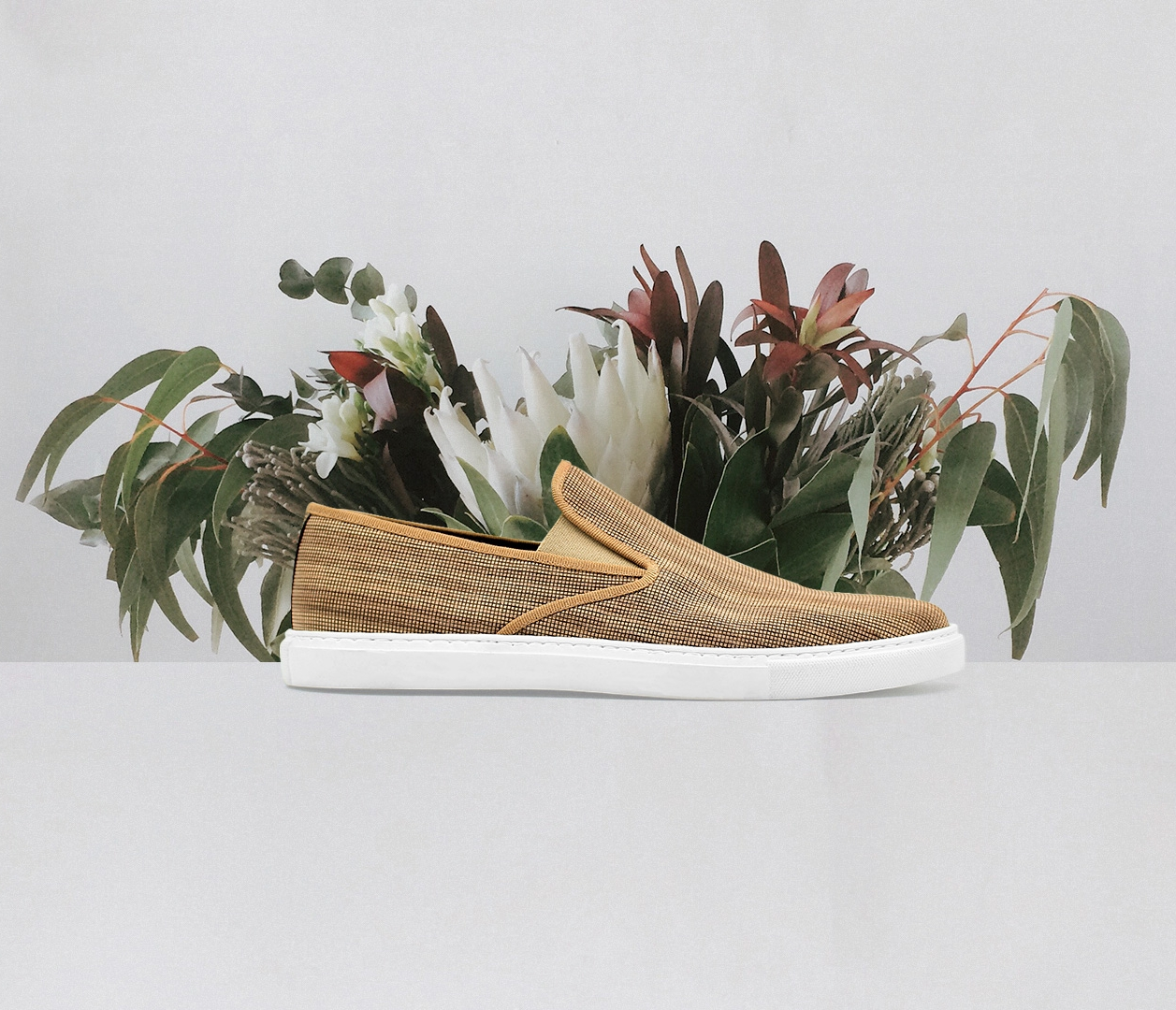 WOOWE BRAND   Vegan shoes made in Italy from sustainably-harvested wood.
