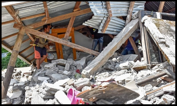 Deadly earthquake strikes Indonesian island of Lombok - Anne Davies and agency@annefdaviesSun 29 Jul 2018 07.47 EDTAt least 14 people were killed and scores injured when a magnitude 6.4 earthquake struck the Indonesian island of Lombok, a popular tourist destination, authorities have said.The quake struck at 6.47am local time (2347 BST) and its epicentre was 50km north-east of the city of Mataram, which has a population of 319,000…READ MORE