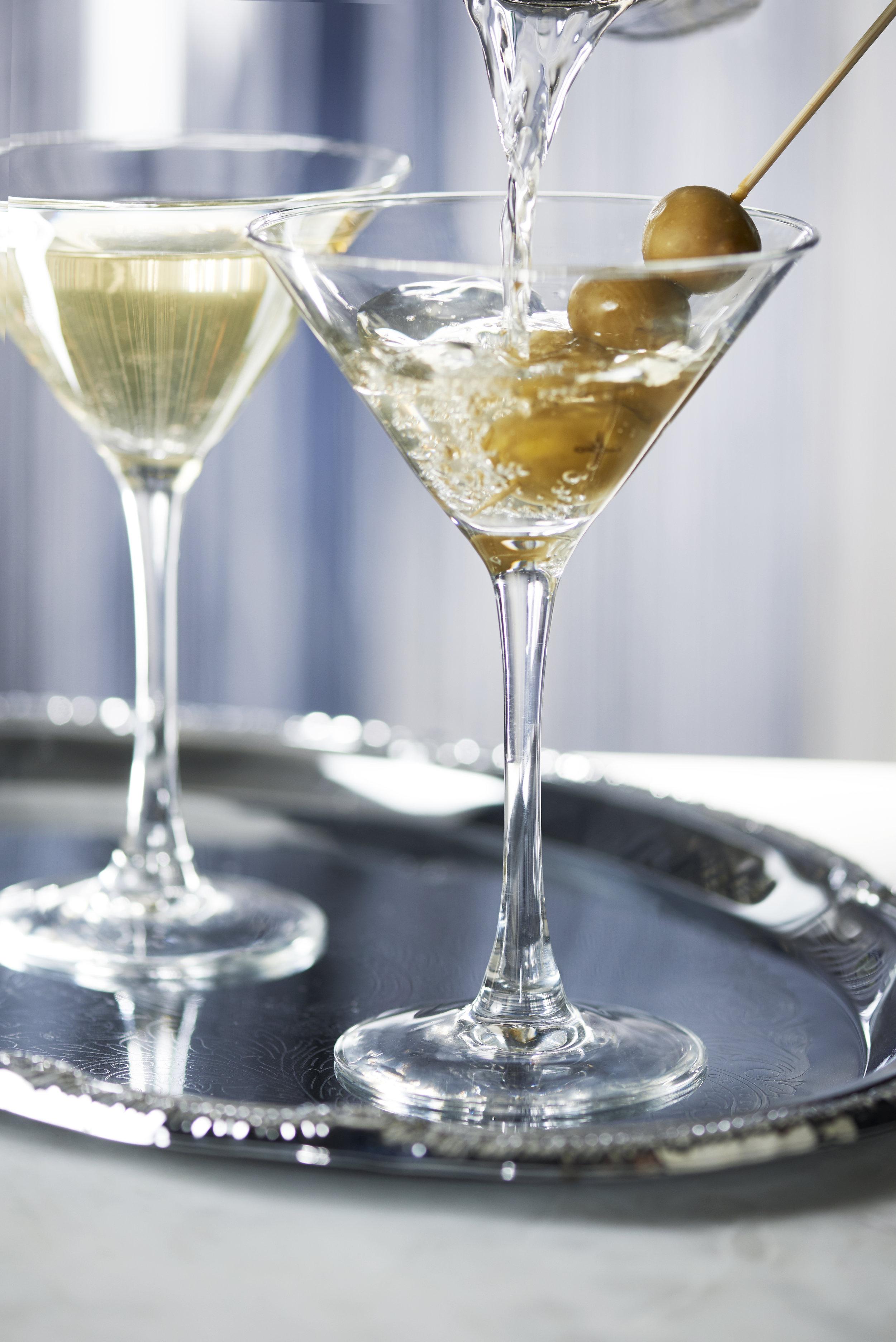 Dirty Martini (2) - Pour.jpg