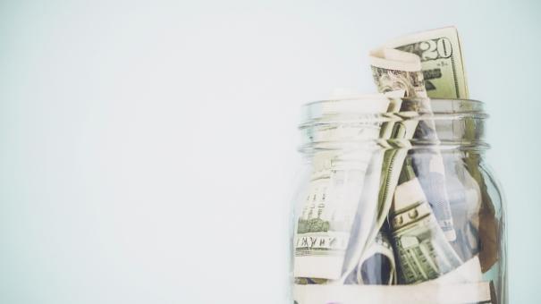 money_jar_000064224863.jpg