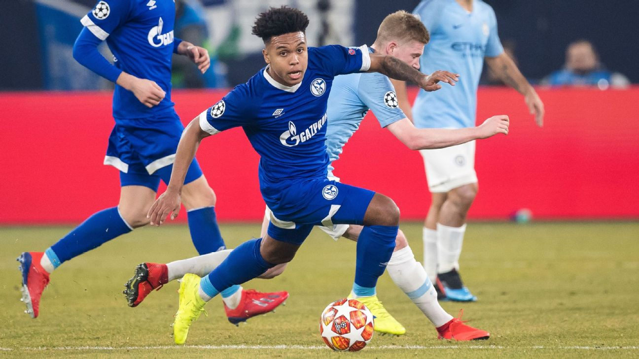 Weston McKennie fights off Kevin De Bruyne in the Champions League Round of 16. Not bad for a 20 year old American.