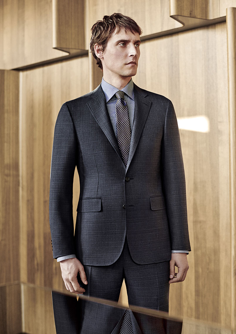10-suit-gray-fall-winter-2018.jpg