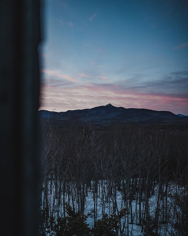 The place I grew up. 🏔  Mount Chocorua silhouetted against the cotton candy skies, viewed from the top of Great Hill fire tower. . . . @visitnh #visitnh #chocorua #newhampshire #landscapephotography #landscapelover #landscape_captures #landscapes #landscape_photography #pixel_ig #landscape_hunter #landscape_lovers #landscapecaptures #landscapestyles_gf #landscape_specialist #landscapeporn #getlost #landscapephotomag #ig_landscape #trapping_tones #ig_masterpiece #ig_podium #splendid_earth #gramslayers #agameoftones #optoutside #discoverearth #exploretheglobe #nakedplanet #earthfocus #ourplanetdaily