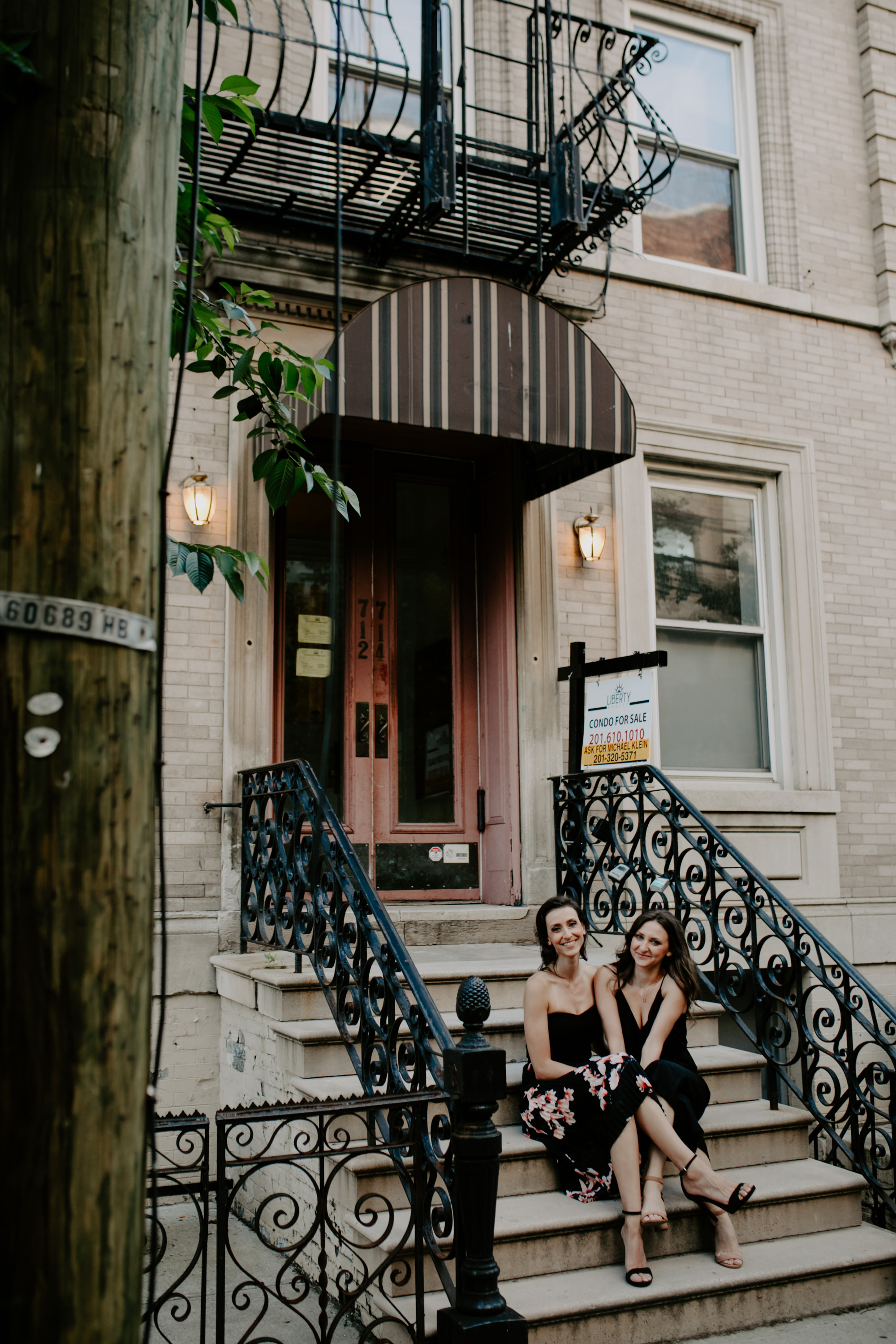 AlyssaChelsey_Hoboken_Engagement_TowardsTheMoon-43.jpg