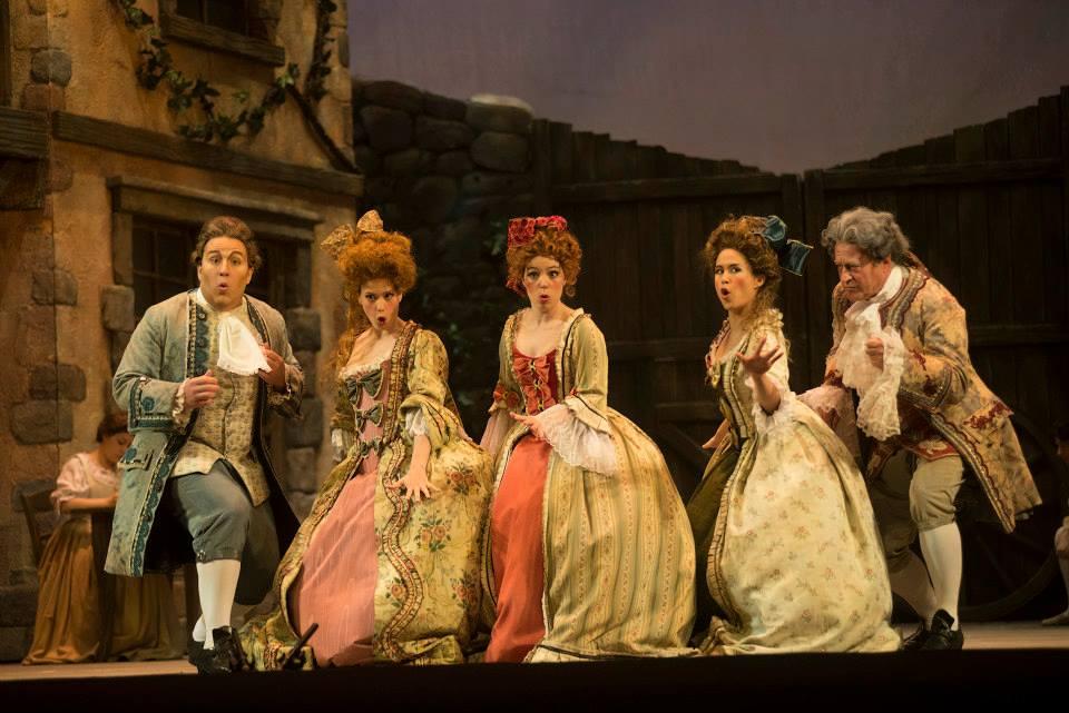 Javotte - Manon - Opéra de Montréal 2013 - Photo: Yves Renaud